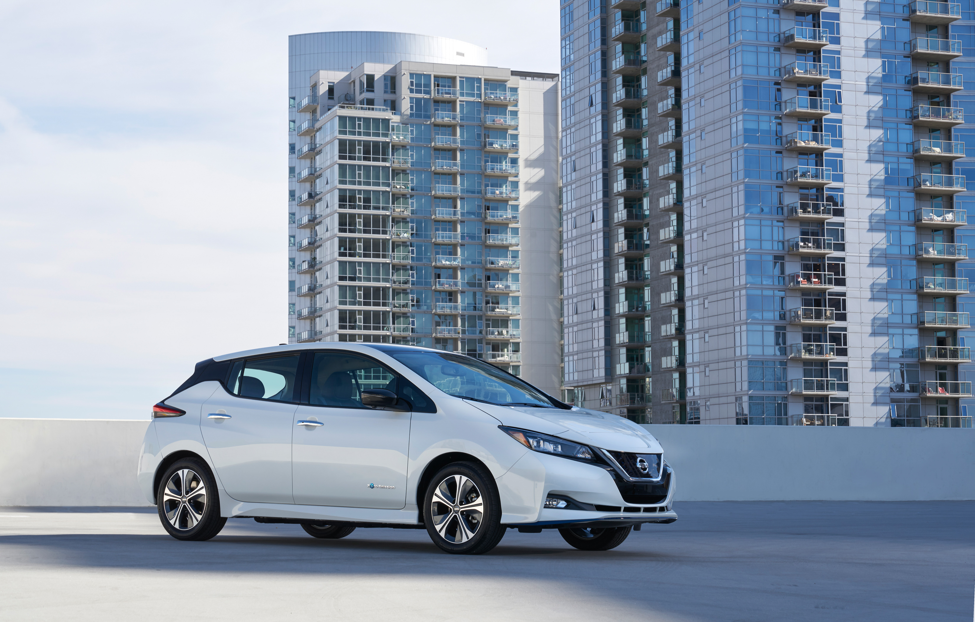 /_default_upload_bucket/2019%20Nissan%20LEAF-6-source-source.jpg